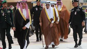 قرقاش: قمم السعودية ترسل رسالة واضحة