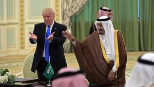 الحوثي يعلق على زيارة ترامب للسعودية