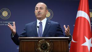 وزير خارجية تركيا: نرفض فرض عقوبات على إخوتنا في قطر.. ولا علاقة لدولة ثالثة بقاعدتنا العسكرية