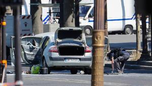 """هجوم الشانزيليزيه الـ5 بـ4 أشهر بفرنسا.. والسيارة """"احتوت متفجرات"""""""