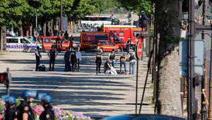 فرنسا: السيارة اشتعلت بعد اصطدامها بالدورية وسائقها كان مسلحا
