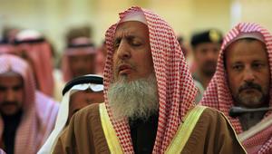 """مفتي السعودية: مقاطعة قطر فيها مصلحة للمسلمين.. وأدعو """"الإخوان المسلمين"""" للابتعاد عن """"العصبية والغلو"""""""