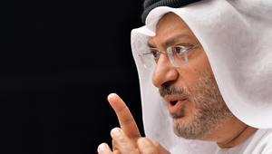 """بعد رد وزير خارجية قطر على نظيره الإماراتي.. قرقاش: أهلاً بالوضوح.. لا يمكن لقطر دعم الخليج و""""التآمر"""" على السعودية"""