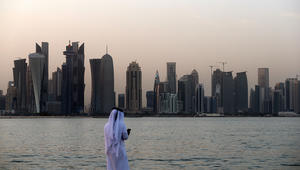 """خلفان يبين """"عقلية قطر"""" مقارنة مع """"عقلية السعودية ودول المقاطعة"""""""