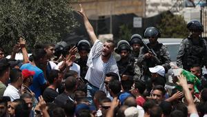 مواجهات بين المصلين الفلسطينيين والشرطة الإسرائيلية قبل صلاة الجمعة