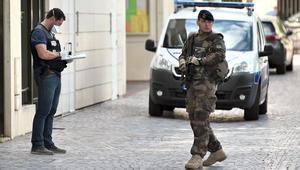 شرطة فرنسا: جنديان اصابتهما خطرة بحادث الدهس