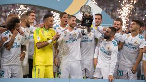 ريال مدريد يهزم برشلونة ذهاباً وإياباً ويحقق لقب السوبر الإسباني