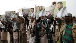 قرقاش: الحوثي يسيطر عل دخل اليمن المقدر بما بين 3.5 و5 مليارات دولار سنويا