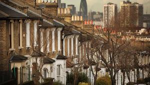 أسعار العقارات البريطانية قد تنخفض.. لكن هل من داعٍ للقلق؟