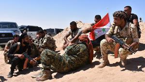"""نظام الأسد يتهم التحالف الدولي بقيادة أمريكا بارتكاب """"مجزرة وجريمة حرب"""" في دير الزور"""