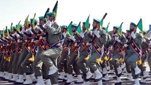 """الحرس الثوري الإيراني: قرار ترامب """"فتنة"""" وتحرك بعد صلاة الجمعة"""