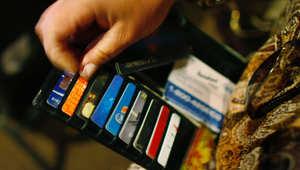 هل تصدق؟ بنوك الولايات المتحدة لا تزال تستخدم نفس نظام بطاقات الائتمان منذ 1960