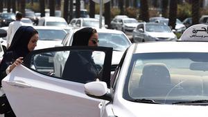 دراجات نارية وشاحنات وشرطيات؟ 15 سؤالا وإجابة عن قيادة النساء للسيارات في السعودية
