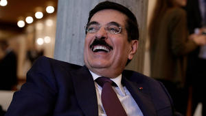 """مصر """"تتمنى"""" فوز فرنسا في اليونسكو.. وقطر: تعيش على التاريخ وواقعها بائس"""
