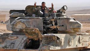 """الجيش السوري يعلن تحرير دير الزور.. ويعتبرها """"المرحلة الأخيرة"""" في القضاء على داعش"""