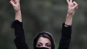 """خبراء: دخول المزيد من النساء البرلمان الإيراني دلالة على تغيير اجتماعي.. """"رقم قياسي"""" لمشاركة النساء منذ ثورة 1979"""