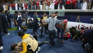 سقوط عدد من جماهير المنتخب العُماني أثناء الاحتفال بلقب خليجي 23
