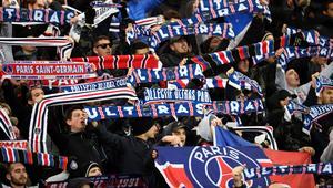 مجموعة من مشجعي باريس سان جيرمان تقلق نوم لاعبي ريال مدريد