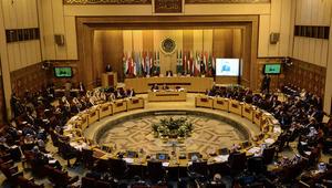 """قرقاش يتحدث عن """"ازدواجية بعض الأشقاء"""" بالجامعة العربية حول تصنيف الإرهاب"""