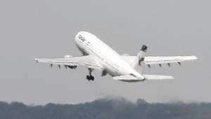 إيران ترسل طائرات محملة بأطنان الأغذية إلى قطر