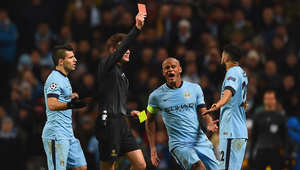 لاعب مانشستر سيتي جايل كليشي يحصل على بطاقة حمراء