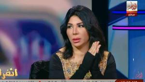 """بالفيديو.. الفنانة المصرية غادة إبراهيم تنهار وتسقط على الهواء مباشرة بسبب قضية """"الدعارة"""""""