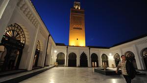 الجزائر تنفي صحة تقارير عن تحويلات مالية بين حزب الله وحماس عبر بنوكها