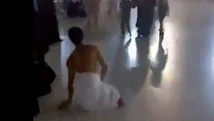 """انتشار واسع لفيديو عن حاج """"بلا قدمين"""" يطوف في الحرم المكي"""