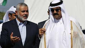 هنية برفقة الشيخ حمد خلال زيارة الأخير إلى غزة عام 2012