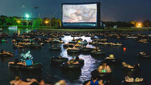 لعشاق سينما الهواء الطلق.. شاهد الأفلام داخل برك الماء والكهوف