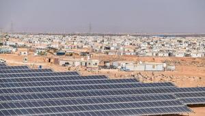 """الأردن : الطاقة الشمسية تضيء """"عتمة""""الزعتري"""