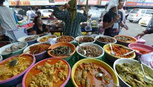وزير ماليزي مستغربا: المسلمون لا يصنعون طعامهم.. ويتذمرون من معايير الحلال فيه!