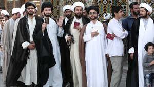 """إيران """"تئن"""" من ألم تراجع النفط ومسؤولون يؤكدون: الخزينة فارغة وأموال المخدرات دخلت السياسة"""