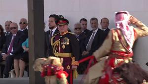 """بالفيديو: ملك الأردن يشهد """"استعراض العلم"""" في الذكرى المئوية للثورة العربية الكبرى وعيد النهضة"""