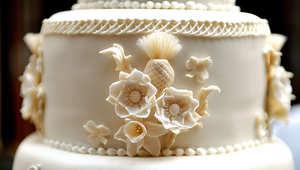 جزء من كعكة حفل زفاف الأمير وليام وكيت ميدلتون