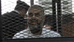 """ابنة خيرت الشاطر: فئران وصرارير تهاجم والدي بزنزانته.. وشاهد """"انتصار غزة"""" في """"رؤيا"""""""