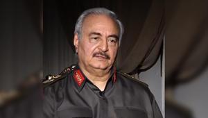 """حفتر: يد السيسي ظهرت في الوقت المناسب للقضاء على الإخوان.. ويجب على العالم وضع قطر في """"خانة الإرهابيين"""""""