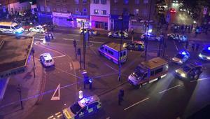 سيارة فان تدهس مصلين أمام مسجد في لندن
