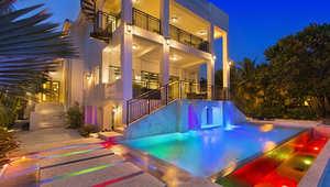 بالصور..نجم كرة سلة أمريكي يعرض منزله الفاخر للبيع بقيمة 17 مليون دولار