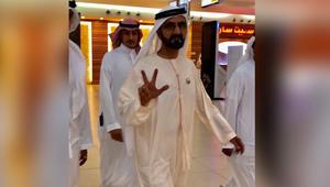 حاكم دبي الشيخ محمد بن راشد يفاجئ متسوقي مركز تجاري بالسعودية