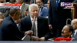 الجلسة الأولى للبرلمان المصري تثير سخرية الإعلاميين.. وباسم يوسف: ما يحصل مهزلة و يدعو للبكاء