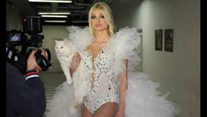 """عارضة أزياء لبنانية مشهورة تثير الجدل بعد نشرها صورة شبه عارية على """"فيسبوك"""""""