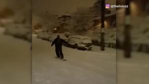 شاهد كيف تحولت شوارع مدينة بأمريكا لحلبة تزلج
