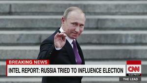 """رفع السرية عن تقرير المخابرات الأمريكية: بوتين أمر بالتأثير على الانتخابات لمساعدة ترامب و""""تشويه سمعة"""" كلينتون"""