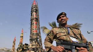 """خبر مزيف على الانترنت يتسبب بتوتر """"نووي"""" بين إسرائيل وباكستان"""