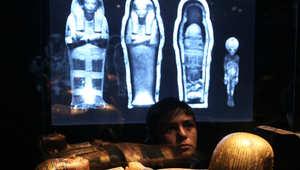 """فحص أشعة يكشف: مومياء """"الفرعونية الراقصة"""" بالواقع.. ذكر بالغ"""
