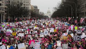 """مظاهرة """"مليونية"""" في أمريكا ضد ترامب بيومه الأول في الرئاسة"""