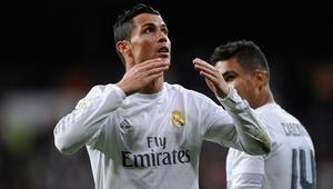 """بالصور: ملوك """"ريال مدريد"""" يقسون على إشبيلية برباعية ويغازلون الوصافة.. ورونالدو يضيع ضربة جزاء"""