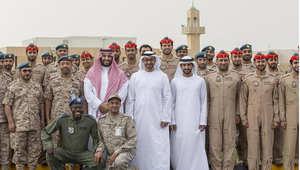 الشيخ محمد بن زايد خلال تفقده القوات الإماراتية بالسعودية