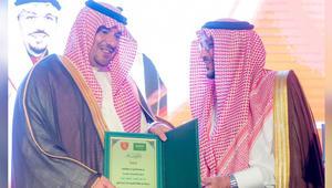 ما سبب إعفاء عبدالعزيز التويجري رئيس نادي الرائد السعودي من منصبه؟